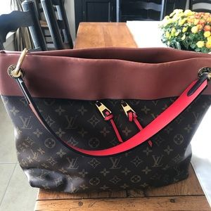 Loui Vuitton Tuileries Hobo Large Bag